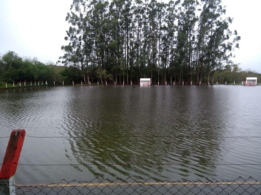 Campo de Futebol, no bairro Porto Blos, ao lado da antiga Associação de Moradores
