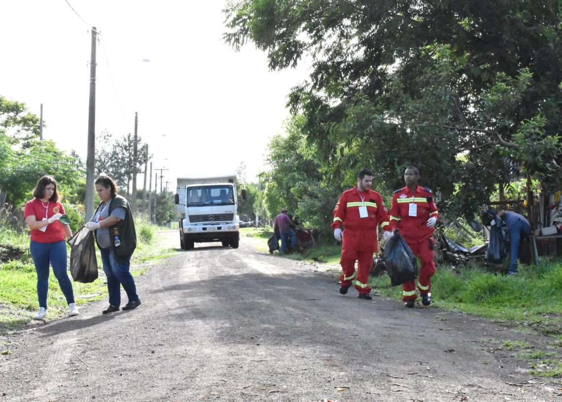 Mutirão ocorreu nas ruas e bairros de Nova Hartz. Fotos: Reprodução.