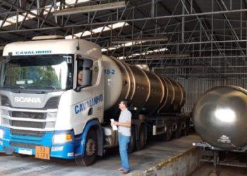 Álcool foi doação enviada ao governo e envasado por uma empresa Pelotas e outra de Santa Rosa - Foto: Ascom/SES.