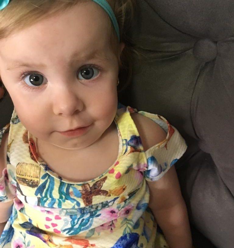 Para ser eficaz, Lívia precisa realizar o tratamento antes dos dois anos de idade Foto: Arquivo da família.
