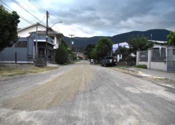 Trecho da rua Rodolfo Schoenardie, que receberá bloquetos, fica próximo a sede do Corpo de Bombeiros. Foto: Keila Massaia/PMNH.