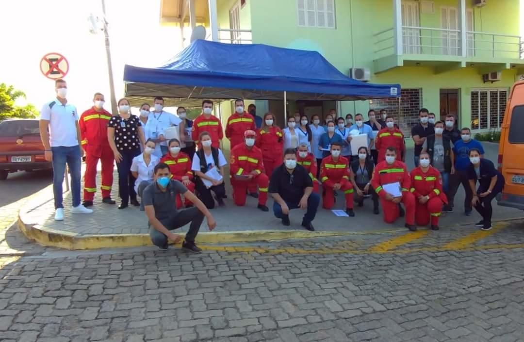 Equipes que participaram do mutirão de vacinação em Nova Hartz. Foto: Prefeitura de Nova Hartz