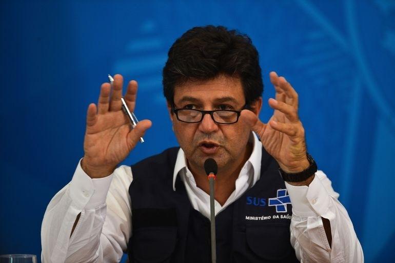 O ministro  da Saúde, Luiz Henrique Mandetta, participa de coletiva de imprensa no Palácio do Planalto, sobre as ações de enfrentamento ao covid-19 no país