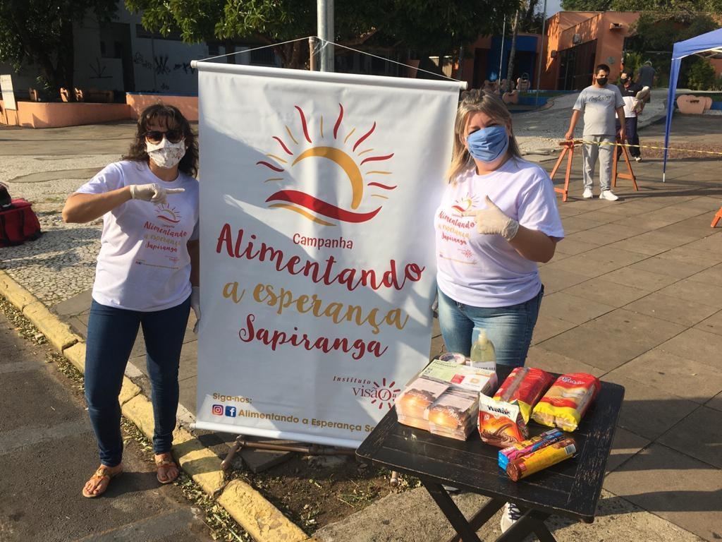 Voluntárias arrecadam alimentos | Foto: Fábio Radke