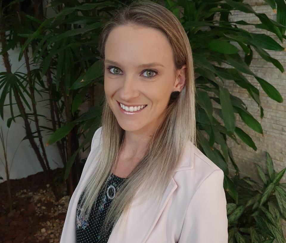 Daniele é Doutora e Mestre em Letras e Especialista em Orientação Educacional, Supervisão e Gestão Escolar Fotos: Arquivo Pessoal