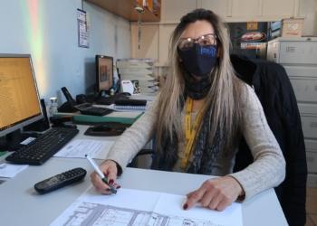 Stela Maris Mayca, proprietária de empresa do ramo de segurança é uma das beneficiadas (Foto: Nadine Funck/PMCB)