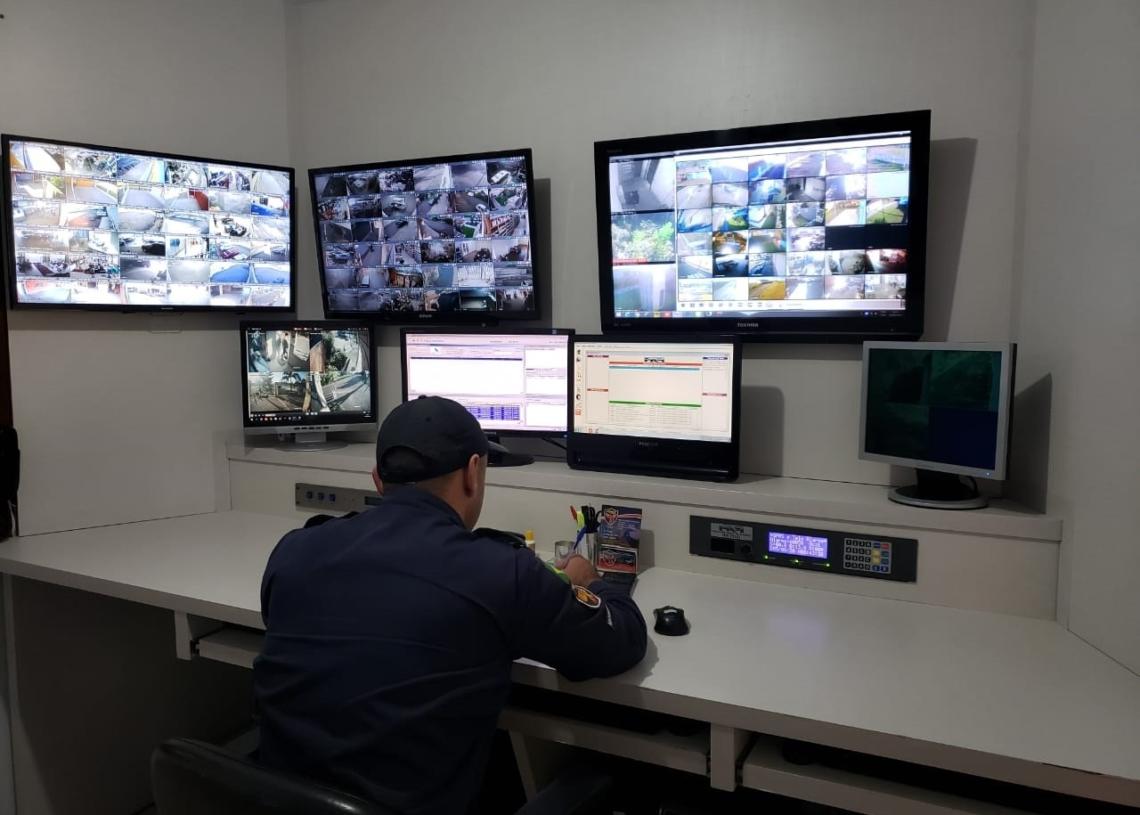 Central de monitoramento acompanha os clientes em tempo real