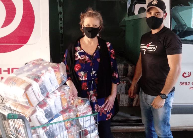 Solange Wagner recebeu da empresa a doação de cestas básicas Foto: Divulgação