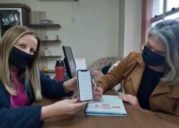 Supervisora Aline e secretária Cláudia destacam os pontos positivos do aplicativo  Foto: Melissa Costa