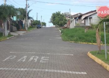 Pavimentação em bloquetos tem sido uma opção viável nos bairros Foto: Melissa Costa