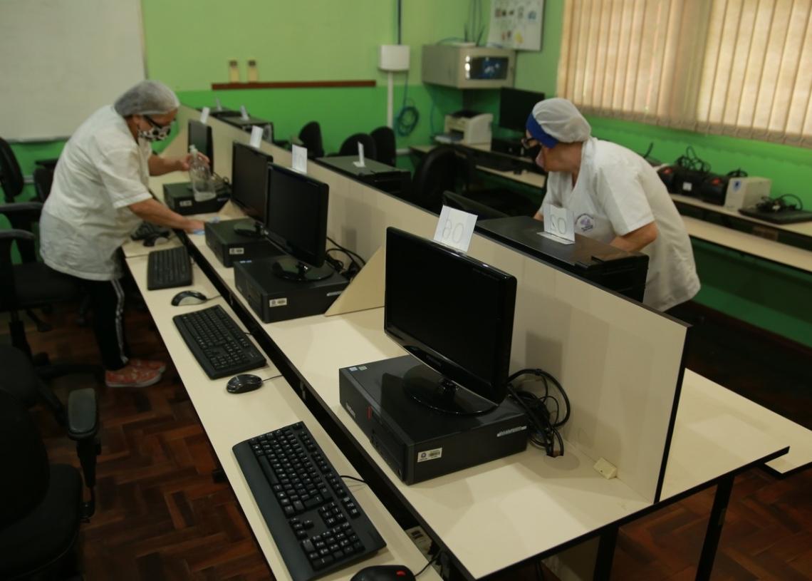 Conforme a necessidade, a direção de cada escola pode solicitar a presença de demais profissionais, como auxiliares de ensino e equipe de limpeza. Foto: PMCB