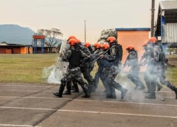 Policiais em treinamentos (Cred.Mário Monteiro/BM)