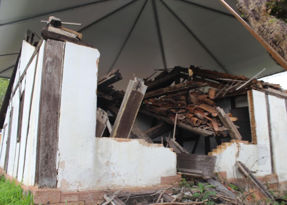 Único imóvel tombado no município, Casa Johann Schmidt, está em ruínas (Cred. Melissa Costa)