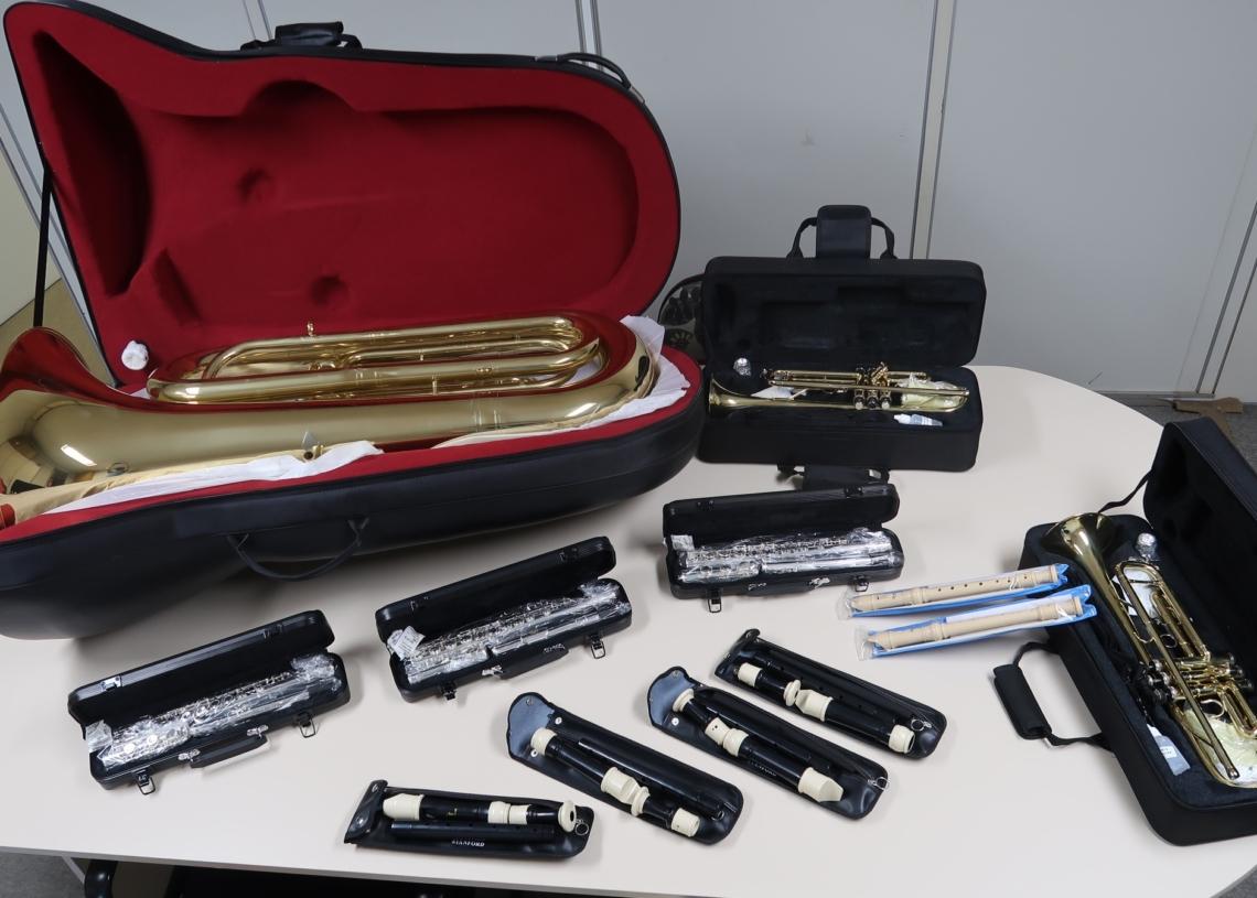 São mais de 15 instrumentos adquiridos para estruturar o grupo musical Fotos: PMCB
