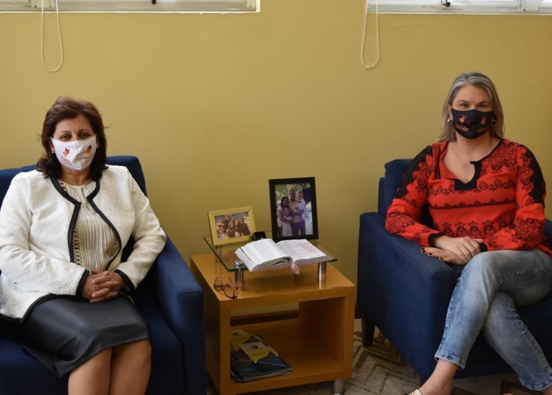 Prefeita Corinha e secretária de  Educação, Cláudia  Foto: PMS