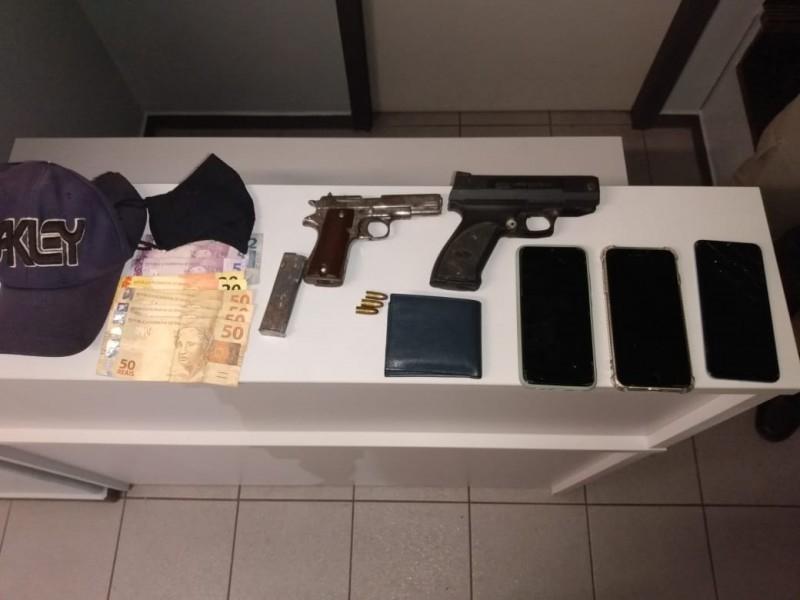 Armas apreendidas pelos policiais (Foto: Brigada Militar)