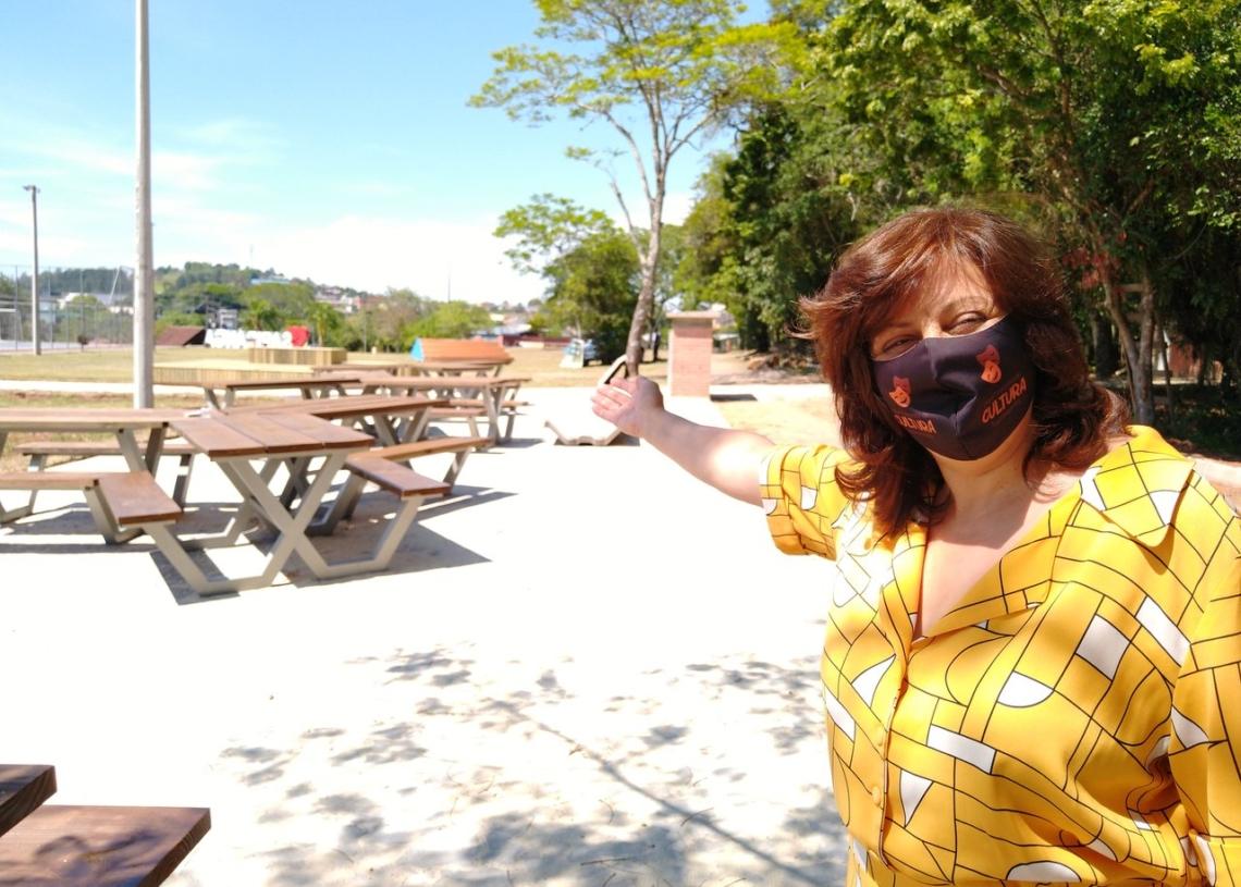 Corinha Molling é só alegria ao entregar mais uma benfeitoria aos sapiranguenses Fotos: Deivis Luz