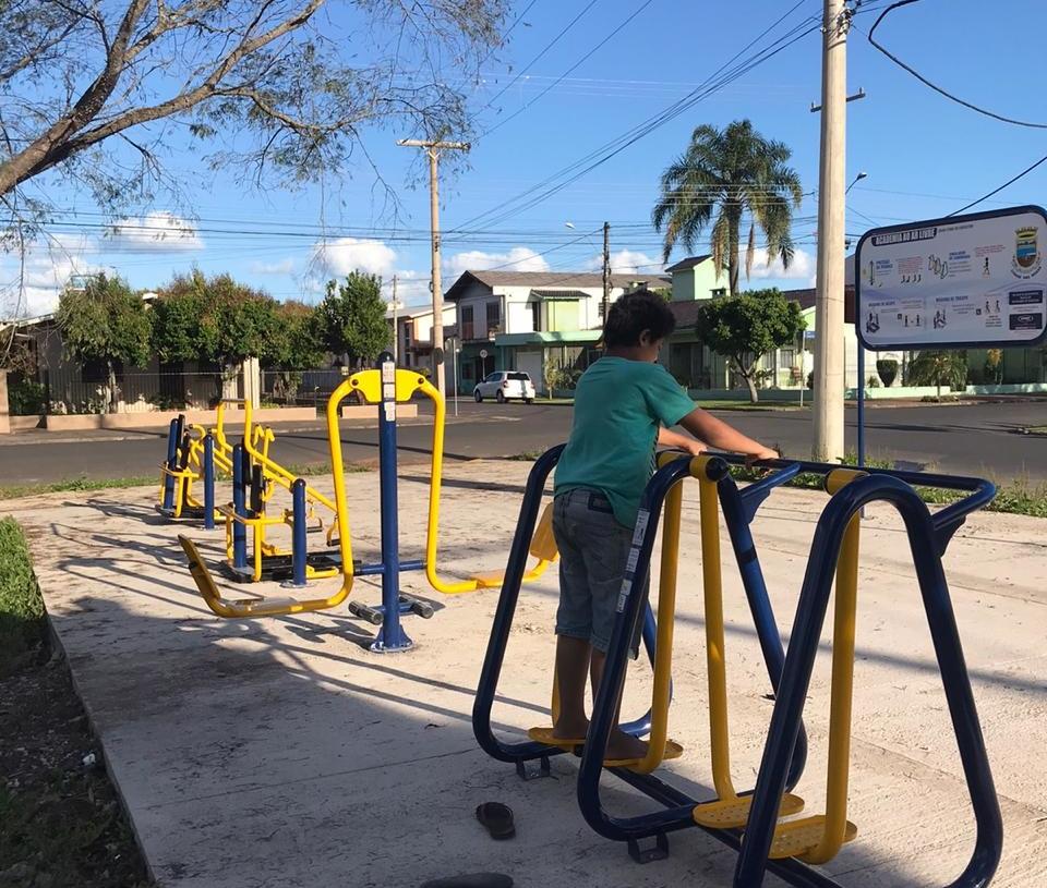 Academia ao ar livre na Praça do Campo dos Gondoleiros  Foto: Divulgação