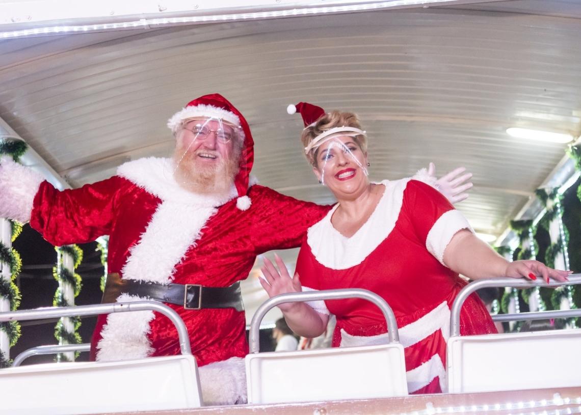 Papai e Mamãe Noel estão presentes na programação do City Tour Fotos: Caio Henrique/Um Cultural