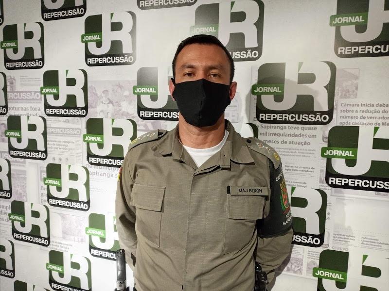 Major Beron pede apoio da comunidade | Foto: Melissa Costa