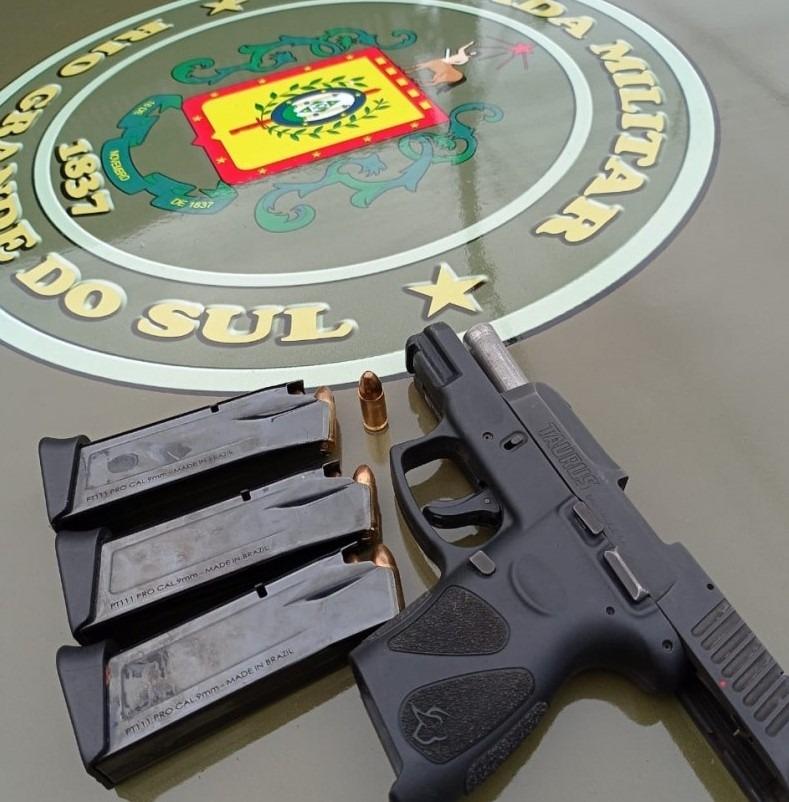Arma apreendida (Foto: Brigada Militar)