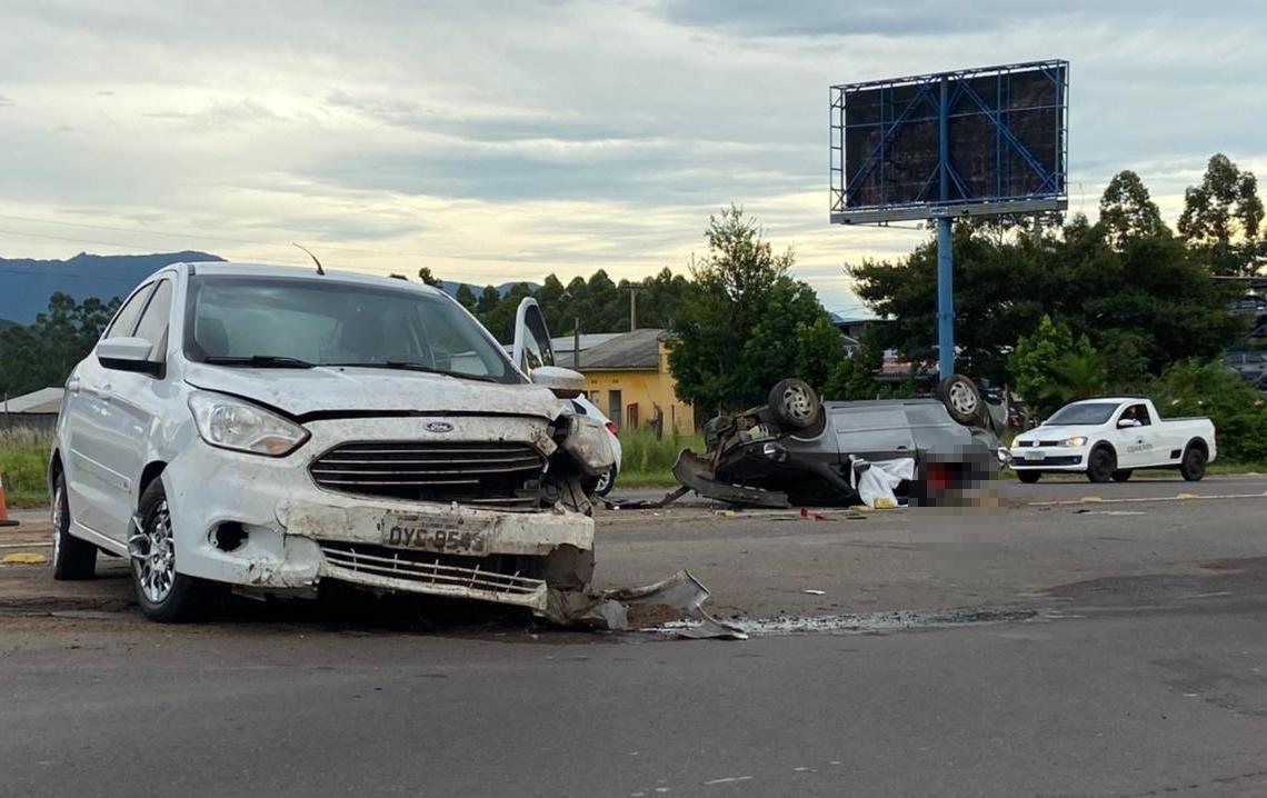Grave acidente ocorreu no inicio desta manhã (Foto: Júnior Ribeiro)