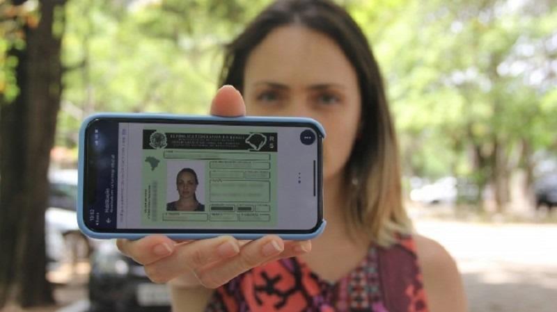 Condutores que optaram por utilizar CNH no formato digital representam cerca de 20% do total - Foto: DetranRS