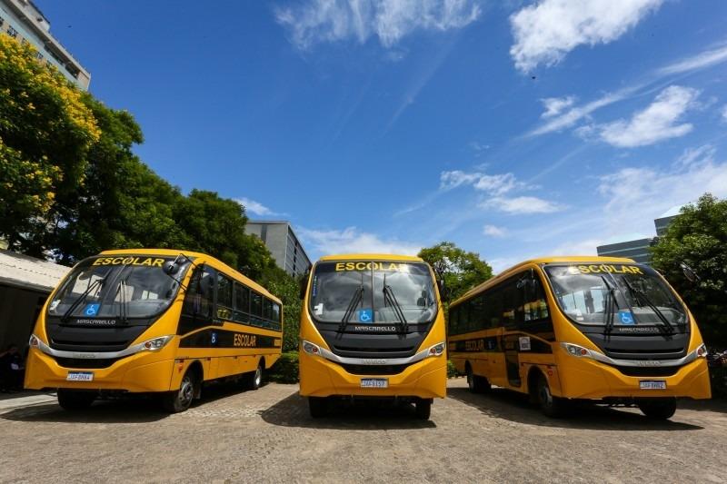 Veículos qualificarão o transporte em regiões onde a moradia dos estudantes fica distante dos colégios - Foto: Felipe Dalla Valle/Palácio Piratini