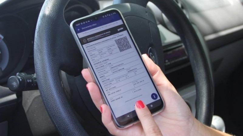 Documentos de propriedade e de licenciamento serão unificados, por decisão federal, no app Carteira Digital de Trânsito - Foto: Divulgação DetranRS
