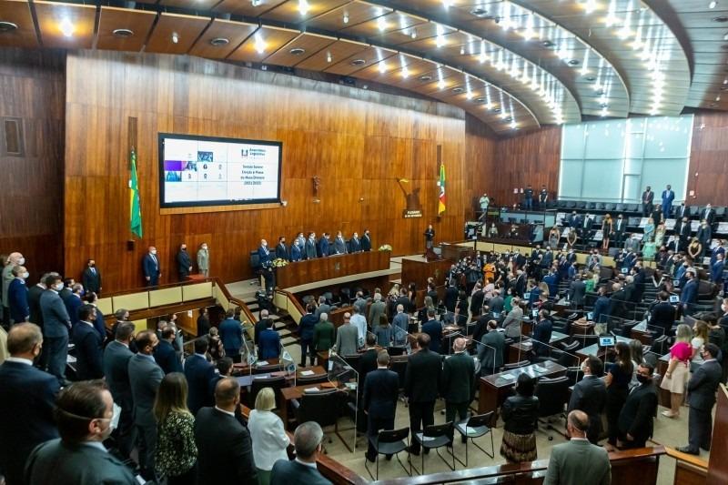A nova Mesa Diretora cumprirá o mandato 2021/2022 - Foto: Gustavo Mansur/Palácio Piratini