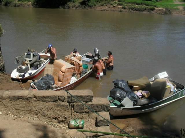 Colchões, sofás e equipamentos de informática: alguns dos itens que são descartados no Rio dos Sinos - Foto: Divulgação/Cururuay