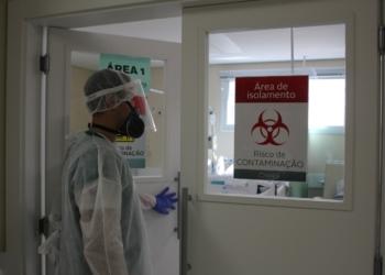Todo cuidado é pouco no atendimento aos pacientes com Covid-19 - Foto: Lilian Moraes