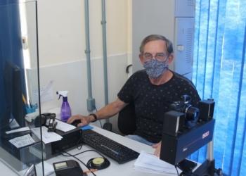 Jorge Schmitt é servidor público desde janeiro de 1980 (Foto: Melissa Costa)
