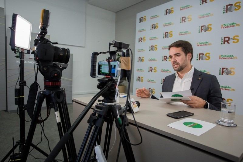 Governador Leite fez anúncio de novas medidas durante transmissão ao vivo pela internet no fim da tarde desta sexta (5/3) - Foto: Felipe Dalla Valle / Palácio Piratini