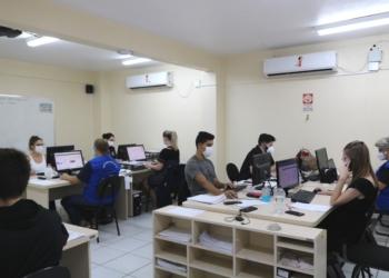Central de Monitoramento, em novo espaço mais amplo, recebeu cinco profissionais realocados - Foto: Prefeitura de Sapiranga