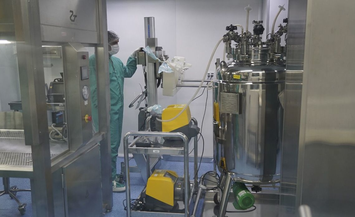 Fiocruz inicia envase do primeiro lote de IFA da vacina Covid-19 - Foto: Bio-Manguinhos/Fiocruz
