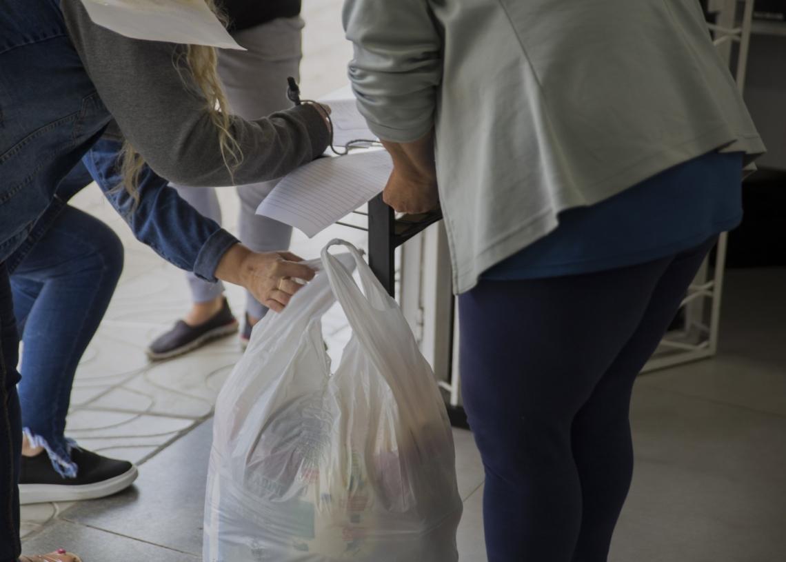 Em Campo Bom, antes da pandemia, eram entregues 153 cestas mensais. Repasse chegou a 1,4 mil/mês  (Foto: Jordana Fioravanti/PMCB)