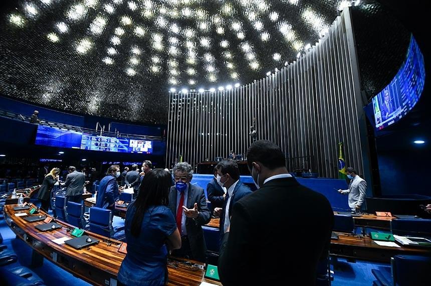 Senadores durante a sessão deliberativa desta quarta-feira - Foto: Marcos Oliveira/Agência Senado
