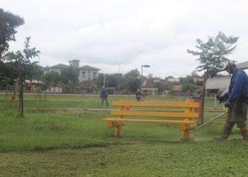Profissionais fizeram manutenção dos espaços do Parcão. Foto: Cássios Schaab