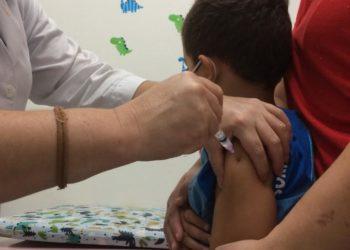 Crianças entre 6 meses e 6 anos são o primeiro grupo a receber vacina contra vírus Influenza - Foto: PMS