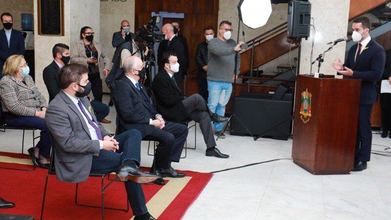 Governador agradeceu empenho dos parlamentares Foto: Itamar Aguiar / Palácio Piratini