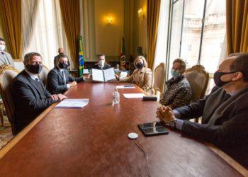 Recursos previstos nos termos assinados são oriundos do Fundo para Reconstituição de Bens Lesados - (Foto: Gustavo Mansur/Palácio Piratini)