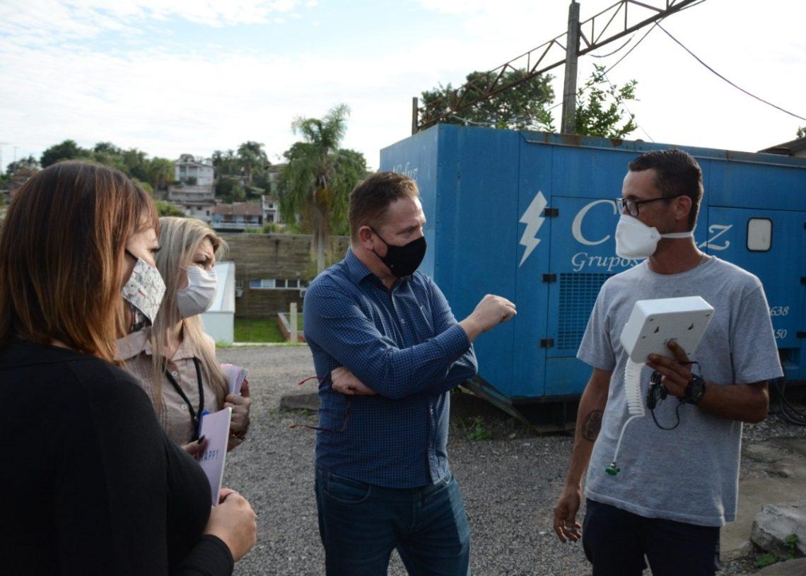 Vereadores em incursão do hospital (Foto: Cássios Schaab/Câmara de Vereadores)
