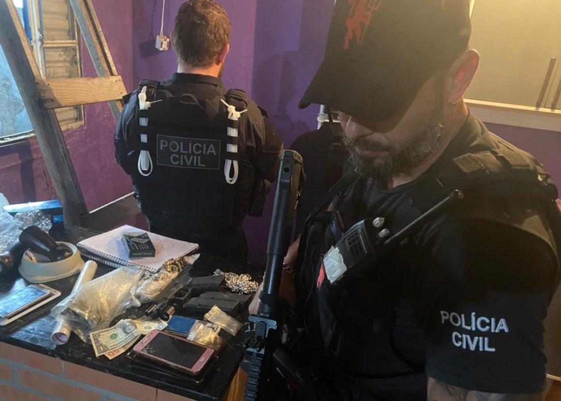 Agentes realizaram a diligência nesta quarta-feira (Foto: Polícia Civil)