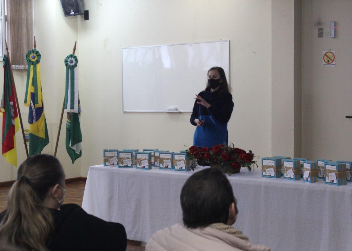 Profissionais da educação recebendo a sensibilização do Sebrae (Foto: Melissa Costa)
