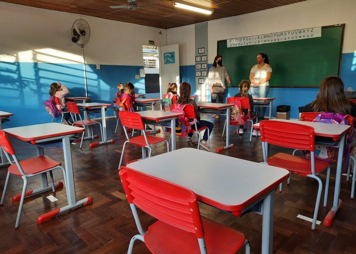 Com os novos equipamentos, secretária projeta melhorias  na Educação  (Foto: Deivis Luz)