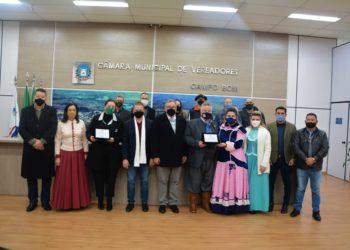 Homenageados receberam reconhecimento pela trajetória na cidade e região Foto: Cássios Schaab/Câmara de Vereadores