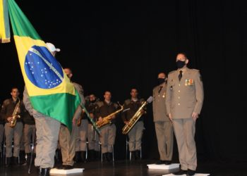Troca de comando ocorreu em solenidade no Centro de Cultura de Sapiranga (Fotos: Melissa Costa)