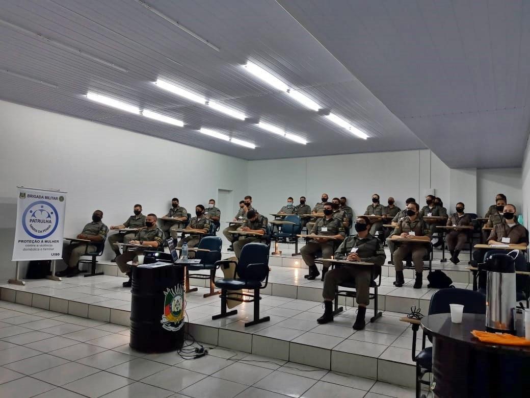 Curso de capacitação para a Patrulha Maria da Penha acontece na BM de Campo Bom (Foto: Brigada Militar)