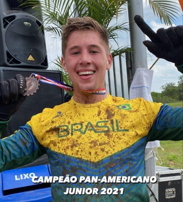 Léo Becher é de Sapiranga e era favorito na categoria Junior